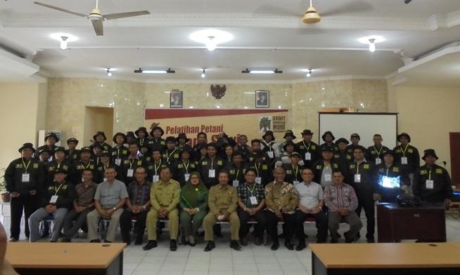 PELATIHAN KELAPA SAWIT RAKYAT KERJASAMA UPB, UNLAM, MAKSI DAN BPDP KELAPA SAWIT INDONESIA